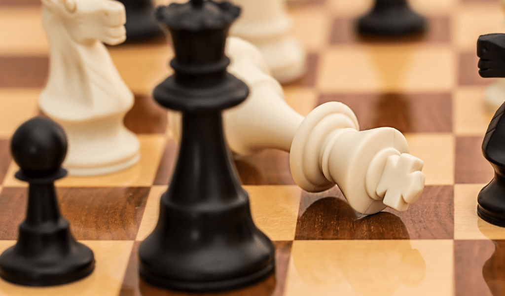 chess board game cheap date night ideas