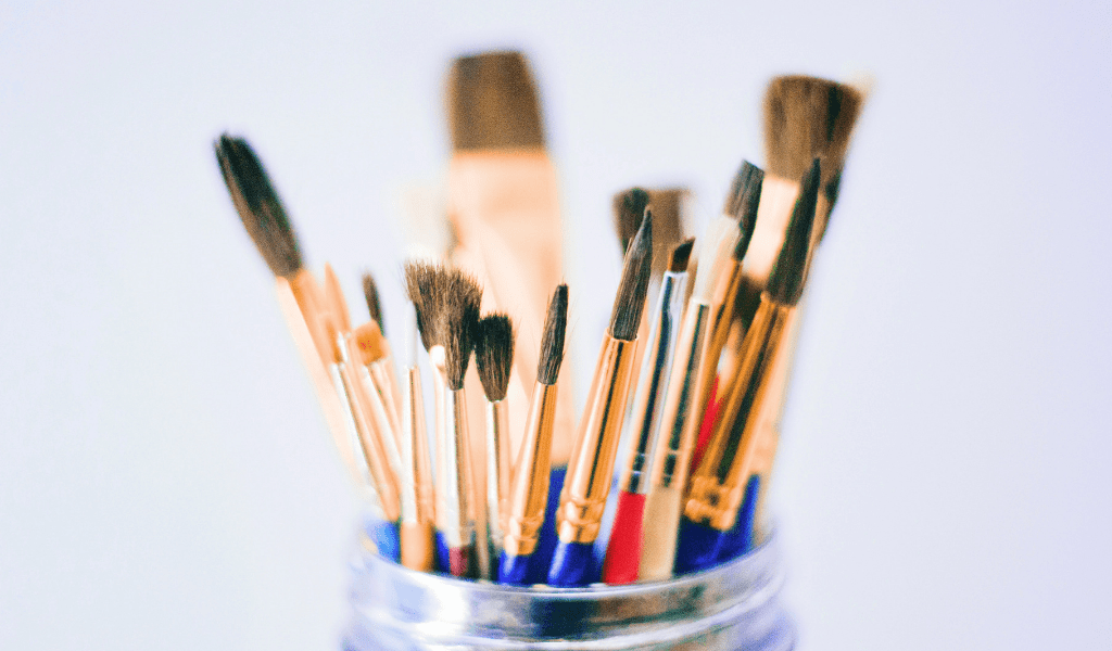 paint brushes for selling crafts as a side hustle